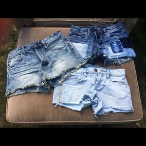 Bundle of three pairs of shorts